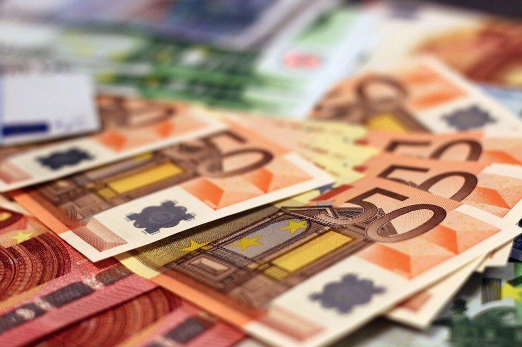 海外 トラブル お金